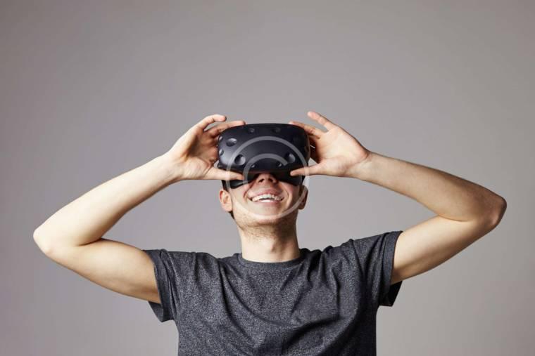 How Do Virtual Reality Glasses Work?